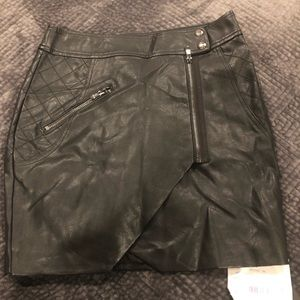 NWT leather Guess mini skirt